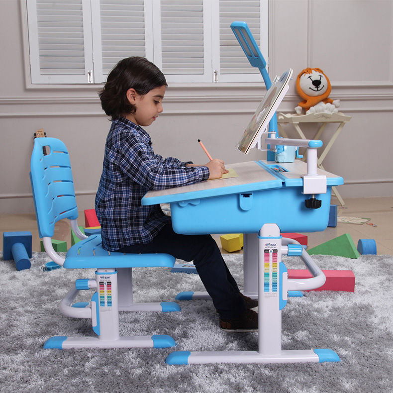 Ergonomically Designed Kids Desk