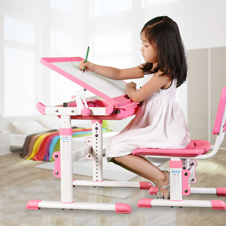 Multi-functional Kids Desk for Budding Artists